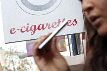 E-Cigarettes Worth Try to Quit Smoking, Heart Group Says